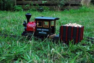 Unter Dampf im Gras