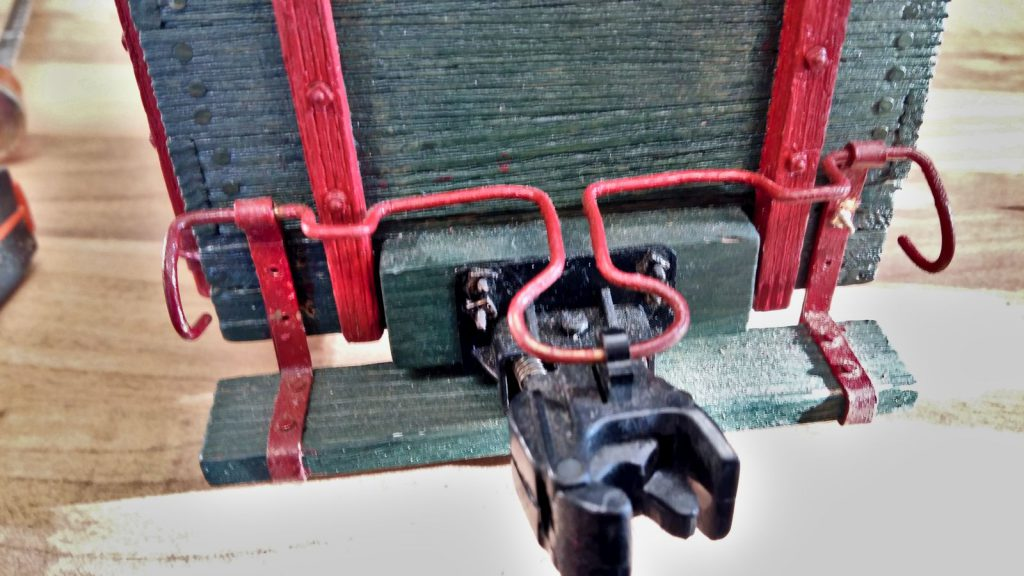 Fastening the conductor's platform with threaded rods.