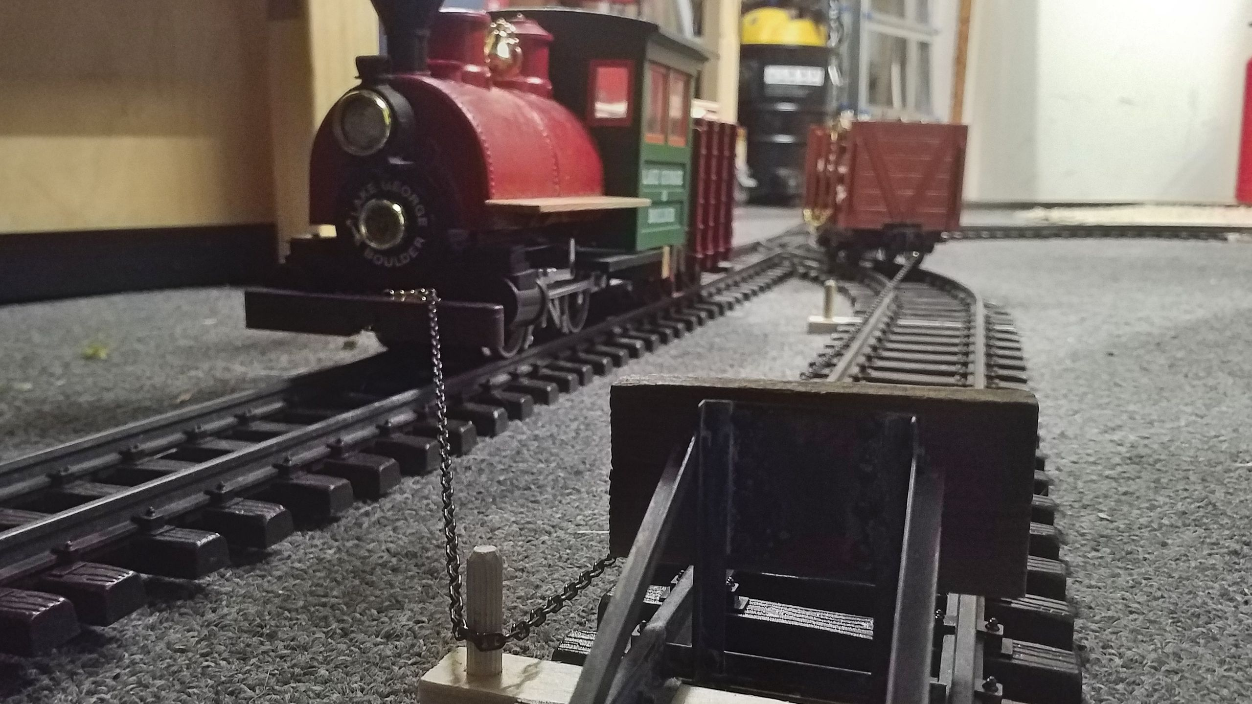 The second bollard allows the loco to reverse.