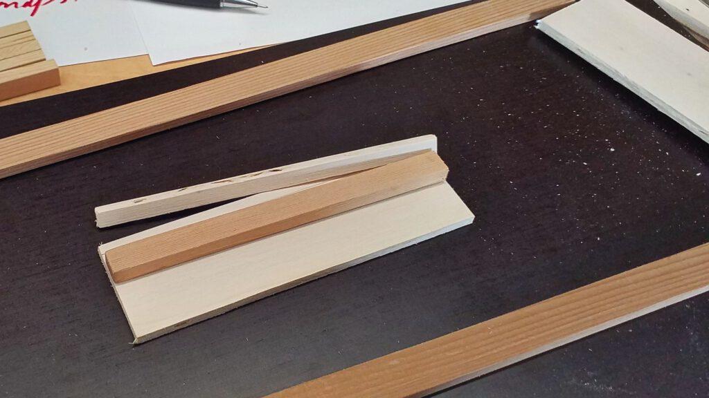 Für das Bohren der Querbalken (End Sills) wird eine Bohrlehre gefertigt.