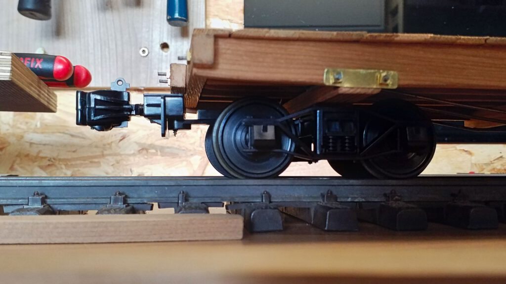 Machbarkeit nachgewiesen: Die Kupplungen lassen sich fast auf derselben Einbauhöhe mit den Drehgestellen verbinden.